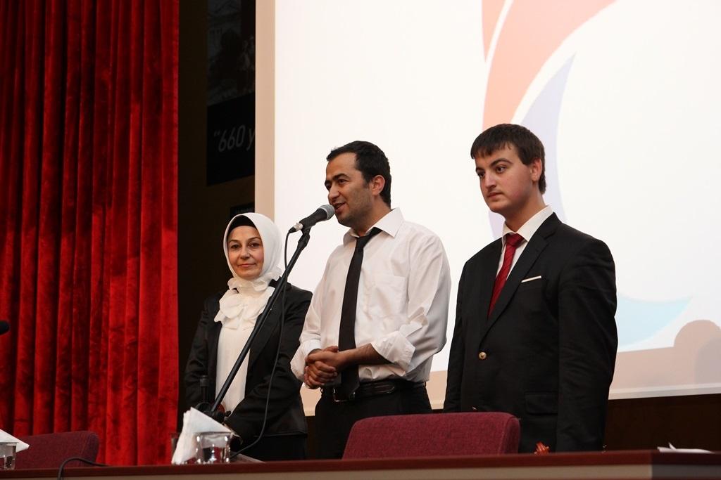 http://gse.fsm.edu.tr/resimler/upload/Yil-Sonu-Sergisi-Prof-Dr-Oktay-Aslanapa-Anisina-13120613.jpg